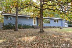 1148 N Oak Dr, Fayetteville, AR 72701