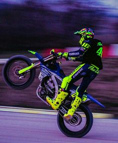 """""""👍👏👏👏🔝🔝 🆒 Man"""" from - Wheeling at the MotoRanch 📸 - Motogp Valentino Rossi, Valentino Rossi 46, Off Road Bikes, Yamaha Motor, Vr46, 1957 Chevrolet, Dirtbikes, Bicycle, Racing"""