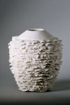 This application is very interesting- don't know if I have the patience to even explore. Sandra Davolio, Stoneware, h: 28 cm x dia: 25 cm