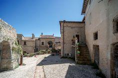 Il borgo di San mamiliano, antico castello di poggio. Scorcio interno