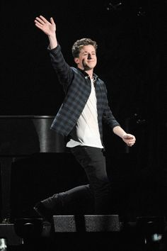 Charlie Puth performs onstage during 93.3 FLZ's Jingle Ball 2015