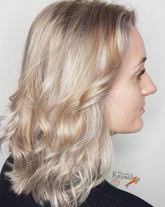 14 vind-ik-leuks, 0 opmerkingen - Henriët's Kapsalon (@henrietskapsalon) op Instagram: 'Folie kleuring in een cool blonde tint. Na de folie nog een platinum toner voor een mooi cool…'