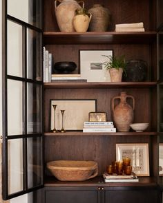 Home Interior Lighting Gorgeous Shelf Styling Ideas.Home Interior Lighting Gorgeous Shelf Styling Ideas Home Interior, Interior Styling, Interior Decorating, Interior Design Vignette, Design Interiors, Interior Lighting, Sweet Home, Layout Design, Design Apartment