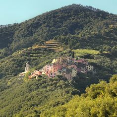 Lavaggiorosso overlooking the beautiful valley of Levanto by B℮n, via Flickr