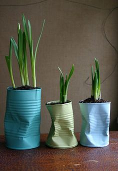 De Drab a Fab: 48 DIYs para latas médias - Ostern/ Frühling - Tin Can Crafts, Diy And Crafts, Diy Projects To Try, Craft Projects, Recycling Projects, Project Ideas, London Garden, Ideias Diy, Reuse Recycle