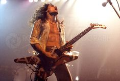 EVH with with his personally customized Ibanez Destroyer 1978