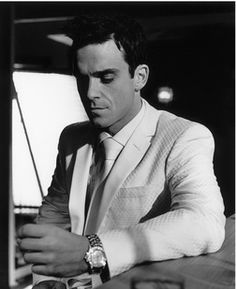 Robbie Williams – Free listening, videos, concerts, stats, & pictures at Last.fm