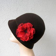 Felted Brooch Felt Flower Red Flower par albado sur Etsy, $20,00