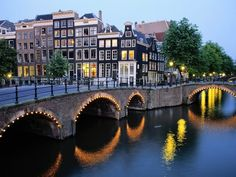 SPRING IN AMSTERDAM ….DISCOVER SPECIAL OFFERS