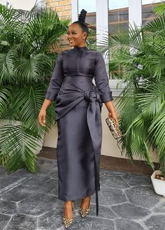 Latest African Fashion Dresses, African Print Dresses, Curvy Girl Outfits, Chic Outfits, Fashion Outfits, New Dress For Girl, Ankara Dress Designs, Elegant Style Women, Simple Gowns