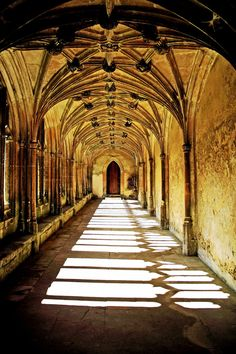 Lacock: Hogwarts Cloister 4JoX