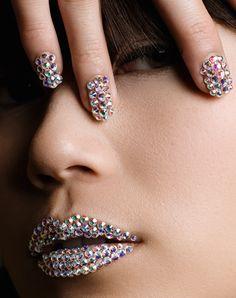 Swarovski Bling ^__^ Buy Swarovski Crystals @ http://www.crystal-beads.co.uk/swarovskielements/3-swarovski-flatback-rhinestones-glue-on-gems