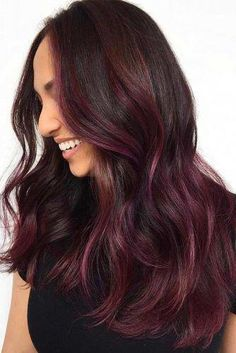 To Get And Sport Black Hair With Highlights In 2019 Dimensional Ideas Of Black Hair With Highlights And How To Make Them Real ★Dimensional Ideas Of Black Hair With Highlights And How To Make Them Real ★ Red Blonde Hair, Brown Hair Balayage, Hair Color Balayage, Brunette Hair, Burgundy Hair With Highlights, Hair Highlights, Natural Red Hair, Natural Hair Styles, Long Hair Styles