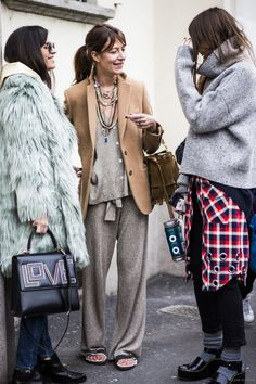 Layering for fall 👠 Stylish outfit ideas for women who love fashion! Street Style Chic, Street Style Looks, Looks Chic, Looks Style, Mode Outfits, Fashion Outfits, Socks Outfit, Paris Mode, Outfit Trends