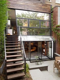 Chelsea Townhouse by Archi-Tectonics.any townhouse in Chelsea! Style At Home, Future House, My House, Town House, House Art, Modern Townhouse, Design Exterior, Modern Exterior, Home Fashion