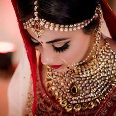 Bridal Makeup Trends for 2019 for a modern bridal look! Beautiful Bridal Makeup, Best Bridal Makeup, Bridal Makeup Looks, Indian Bridal Makeup, Indian Bridal Fashion, Wedding Makeup, Beautiful Bride, Wedding Bride, Black Smokey Eye Makeup