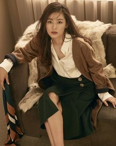 Jeon Ji-hyeon has become the new face for fashion brand, MICHAA. MICHAA said on August 23, 'Jeon Ji-hyeon is an actress who has everything from sensuous beauty to elegant appeal' and 'She is a perfect model for us'. In the revealed pictorial images for their campaign, Jeon Ji-hyeon showcases modern gypsy styles under the concept of Carmen, the classic opera.