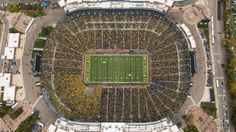 The official website for the University of Michigan Wolverines athletics University Of Michigan Athletics, Go Big Blue, Michigan Wolverines, Big Houses, City Photo, How To Plan, Zero Waste, Athletes, Football