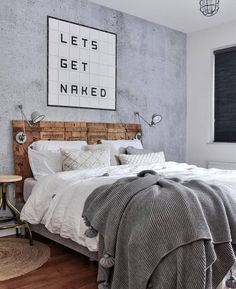 Bedroom with wooden headboard and burnt cement wall. Happy New Home, Bedroom Decor, Master Bedroom, Bedroom Ideas, Cosy Bedroom, Bedroom Quotes, Tumblr Rooms, Modern Wall Decor, New Homes