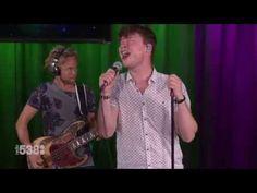 Handsome Poets - Sky On Fire (live @ Frank en Middag Show) - YouTube