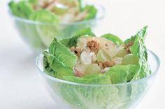 Špenátové gnocchi | Apetitonline.cz Gnocchi, Cabbage, Vegetables, Food, Veggies, Vegetable Recipes, Meals, Cabbages, Yemek