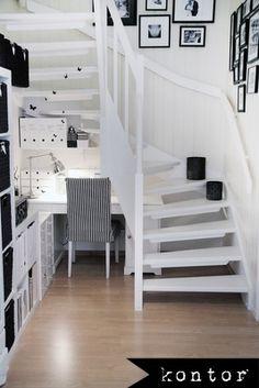 Spiral Stairs Landing Stairways Ideas For 2019 Office Under Stairs, Space Under Stairs, Open Stairs, Loft Stairs, House Stairs, Under The Stairs, Staircase Storage, Staircase Design, Staircase Ideas