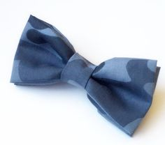Blue Camo Bow tie Men's Blue Bow tie by FlyTiesforFlyGuys Camo Bows, Boy Fashion, Mens Fashion, Kids Bow Ties, Blue Bow Tie, Camo Designs, Bow Tie Wedding, Blue Camo, Camouflage