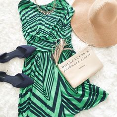 """Express Navy Blue & Green This dress has a stretchy & soft material with a figure flattering style. The material is draped & stretchy without being clingy.{actual color of item may vary slightly from pics} *chest:10"""" *waist:12"""" very stretchy  *length:32.5"""" *material/care:95%rayon 5%spandex  *fit:could easily work for Sml too  *condition:good/no rips/stains  🌸20% off bundles of 3/more items 🌸No Trades  🌸NO HOLDS 🌸No transactions outside of Poshmark  🌸No lowball offers Express Dresses…"""