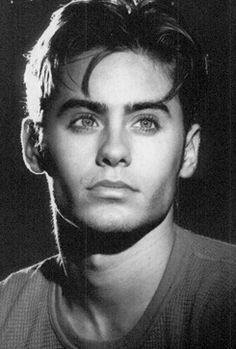 Young Jared Leto in Gray T-Shi. is listed (or ranked) 4 on the list 30 Pictures of Young Jared Leto Beautiful Boys, Pretty Boys, Beautiful People, Beautiful Smile, Jared Leto Young, Jared Leto Hot, Jared Leto Joker, Johny Depp, Young Actors