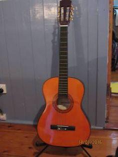 Axiom Beginners Guitar Pack - 3/4 Childrens Size Guitar | Guitars & Amps | Gumtree Australia Dalby Area - Bell | 1100913746 Guitar For Beginners, Guitar Amp, Guitars, Guitar