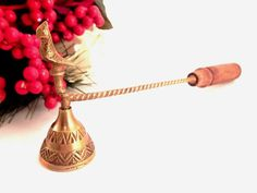 Brass Bird Candle Snuffer Flame Extinguisher Long Handled Antique Douter Vintage Candle Accessory Brass and Turned Wood Home Decor
