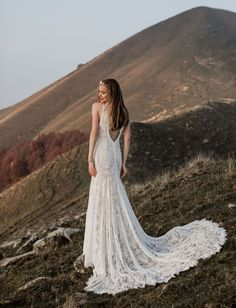 Lake Como Mountainside Inspiration - Photographed by Lilly Red Creative - Featured in Green Wedding Shoes Bridal Wedding Dresses, Wedding Dress Styles, Bridal Shoes, Lace Wedding, Engagement Photo Dress, Gorgeous Wedding Dress, Beautiful Dresses, Princess Ball Gowns, Wedding Dress Accessories