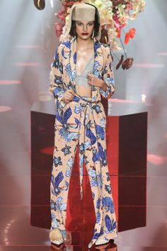 Romance Was Born Australia Resort 2018 Fashion Show Collection
