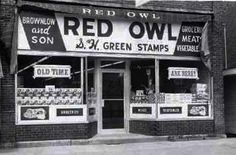 Brownlow and Son's Red Owl Grocery Store Red Owl, Grocery Store, Vintage Photos, Animal Signs, North Dakota, Minnesota, Buildings, Heart, Vintage Photography