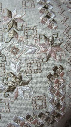 Awesome Most Popular Embroidery Patterns Ideas. Most Popular Embroidery Patterns Ideas. Hand Embroidery Videos, Types Of Embroidery, Learn Embroidery, Embroidery Techniques, Machine Embroidery, Hardanger Embroidery, Cross Stitch Embroidery, Cross Stitch Patterns, Broderie Bargello