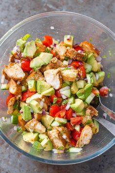 Healthy Avocado Chicken Salad - This salad is so light, flavorful, and easy to make! Perfect for your next barbecue or potluck Avocado Chicken Salad - This salad is so light, flavorful, and easy to make! Perfect for your next barbecue or potluck! Healthy Drinks, Healthy Dinner Recipes, Yummy Recipes, Salad Recipes, Healthy Snacks, Potluck Recipes, Healthy Potluck, Healthy Dishes, Potluck Appetizers