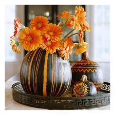 Quick and Easy Painted Pumpkins ❤ liked on Polyvore featuring backgrounds, halloween, autumn, fall and pictures
