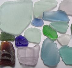 sea glass colorshttp://seattletimes.nwsource.com/html/pacificnw/2009158179_pacificpglass03.html