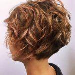 <p>Diese wunderschönen unordentlichen Frisuren vereinen alle wesentlichen Funktionen für meine lieben, stilbewussten Leser! Sie sind pflegeleichte, trendige Frisuren, die nicht viel Styling benötigen oder stündlich überprüft werden müssen. Sie zeigen die neuesten Trends in unordentlichen Frisuren für kurzes Haar und schmeicheln allen Gesichtsformen und Altersgruppen. Und natürlich wirst du viele neue ash- und beige-blonde Haarfarben […]</p>