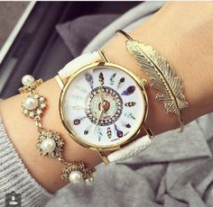 Must check out the most trendy fashion accessories for women in Pakistan. Such as handbags, sunglasses, wrist watches, jewelry, scarves and shoes. Watch a step by step video to perfectly match your fashion accessories with your outfit. Fashion Bracelets, Fashion Jewelry, Women's Dress Watches, Feather Pattern, Stylish Watches, Big Watches, Woman Watches, Ladies Watches, Beautiful Watches