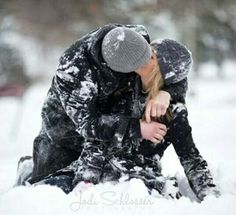 winter romance this is soo me & my man playin in the snow :)