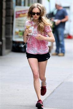 Amanda Seyfried jogs in New York City's Greenwich Village on June 16, 2015.