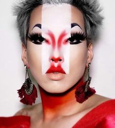 Halloween Makeup Ideas: (notitle) Source by Drag Makeup, Sfx Makeup, Costume Makeup, Geisha Makeup, Makeup Inspo, Makeup Inspiration, Makeup Ideas, Photoshoot Inspiration, Futuristic Makeup