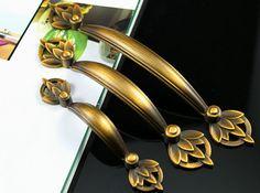 Schranktür Griffe zieht Knöpfe Gold Bronze Kommode zieht Schublade Pull Handles Küche Möbel Schrank Hardware Dekorative Jugendstil on Etsy, CHF4.60