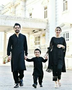 Awesome Photos of Bilal Qureshi and Uroosa Bilal with their Cute Son Simple Pakistani Dresses, Pakistani Wedding Dresses, Indian Dresses, Kids Party Wear Dresses, Wedding Dresses For Girls, Velvet Dress Designs, Mother Daughter Fashion, Pakistani Fashion Party Wear, Matching Family Outfits