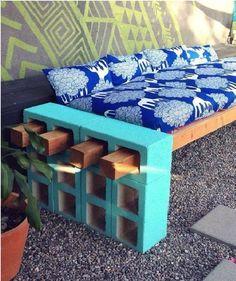 Banco de bloco de concreto e madeira