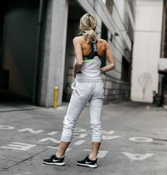 25 Essentials to Wear To the Gym | The Closet Heroes