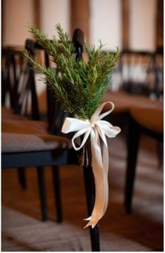 gorgeous-winter-wedding-aisle-decor-ideas-3