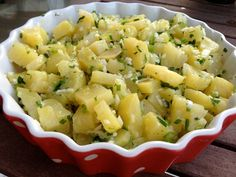 Simple potato salad. Papas aliñás (tapa andaluza)