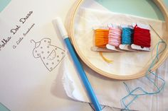 how to embroider - Decoration İdeas Basic Embroidery Stitches, Learn Embroidery, Embroidery For Beginners, Cross Stitch Embroidery, Hand Embroidery, Sewing Hacks, Sewing Tips, Sewing Ideas, Learning To Embroider